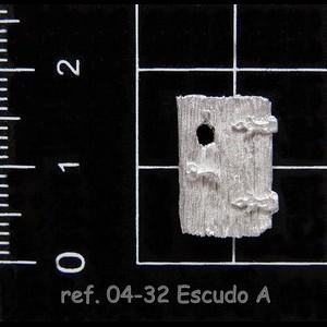 04-32 2-7 Escudo A